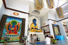 尼僧院 裏庭 寺院 仏像
