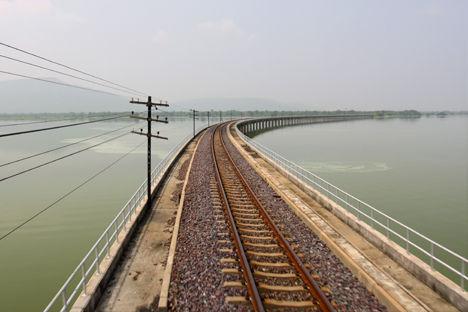 パサックダム 橋