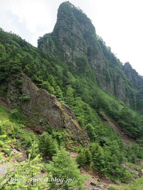 牙山の岩場4