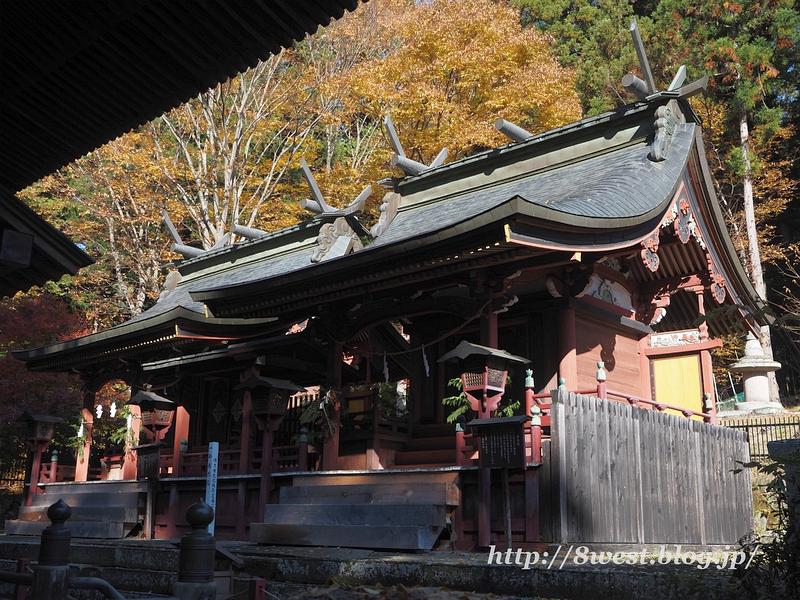新海三社神社04