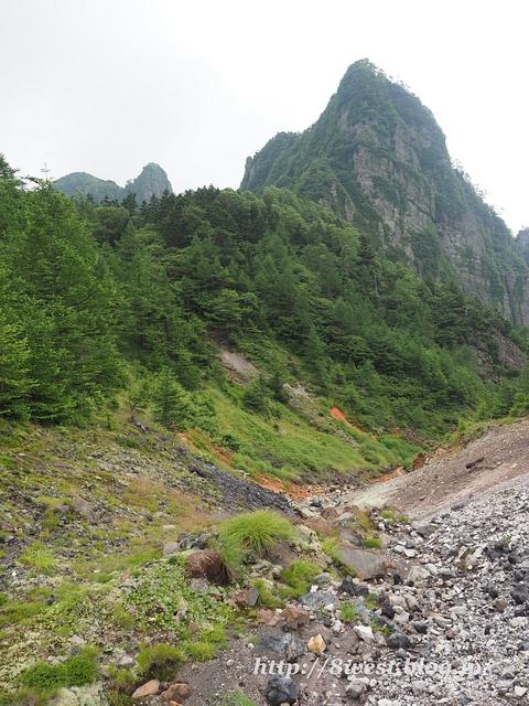 牙山の岩場3