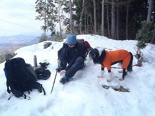 雪のさくら坂 046