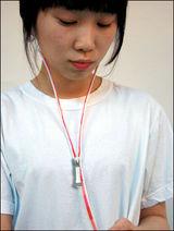 yi_earphones2_m