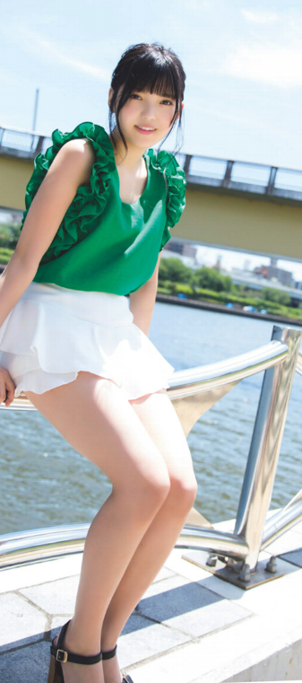 上村莉奈の美脚画像