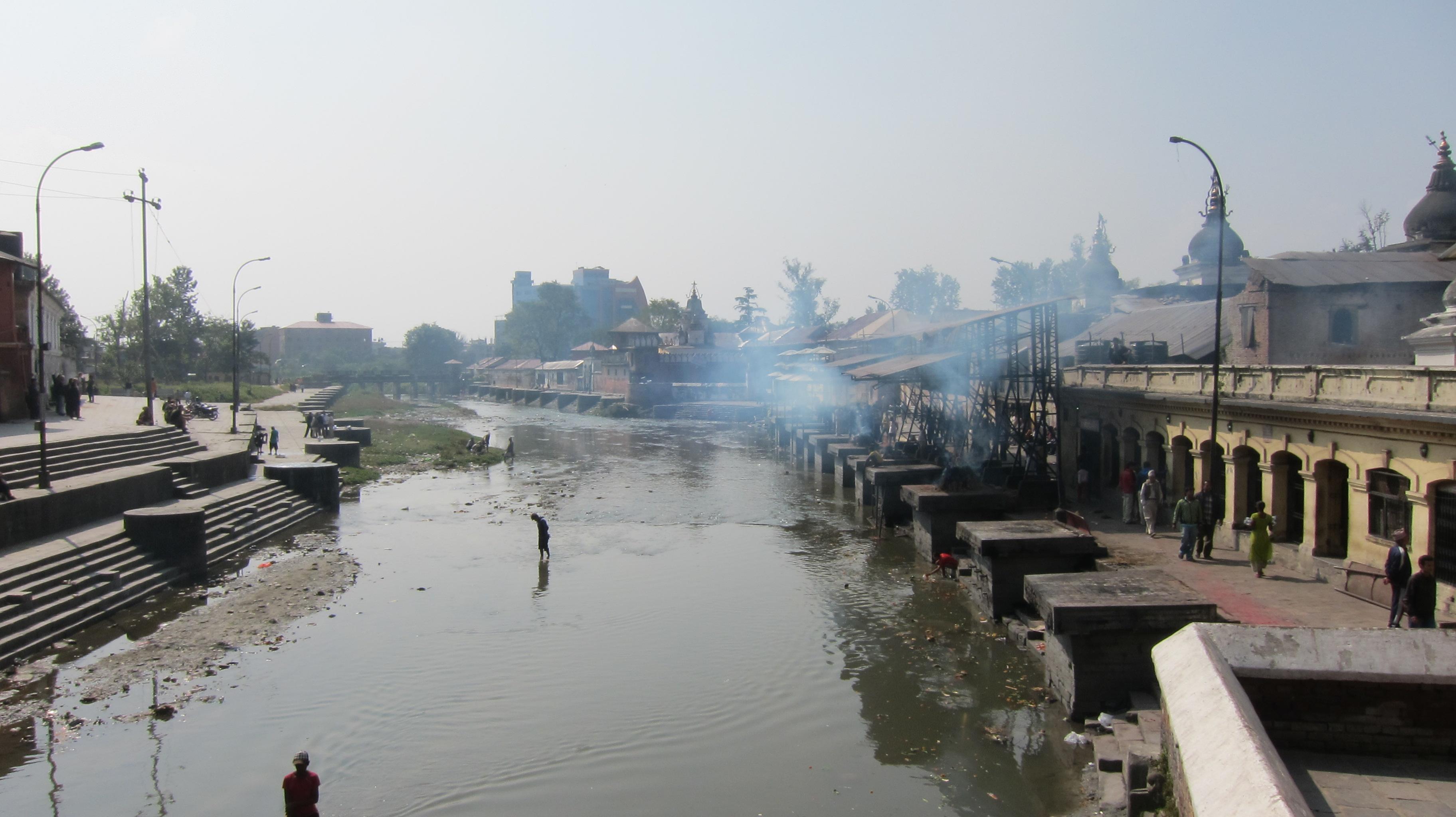 バグマティ川