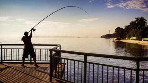 「ご趣味は?」 ワイ「釣り竿でベランダから下着を釣り上げることです!」
