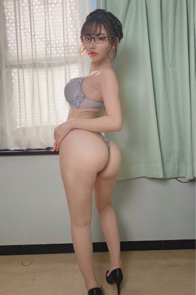 【画 像】この女性の尻に迫られて拒否れる奴wwwwwwwwwwww