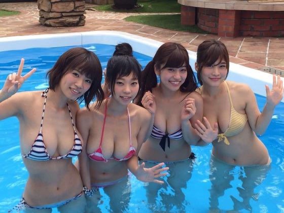 【画 像】こ んな女子達が市民プールにいたら男はたまらんだろ・・・・・