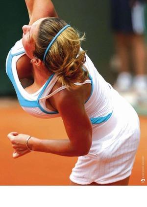 【画像】最近のテニス女子、胸を.揺らしながら試合をしていた