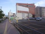 後ろにワシントンホテル駐車場