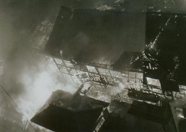 軍艦島火災被害579a
