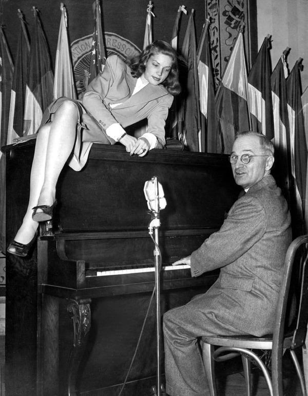 Bacall-Truman-Piano-1945