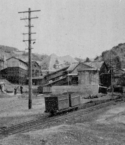 里山炭鉱068