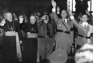 memo:ナチスとココ・シャネル :...