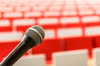 microphone-2775447_640