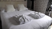 bed-1303451_640