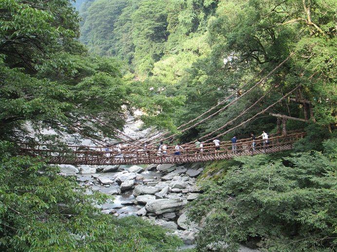 Sabaku_Manのブログ2016年07月22日徳島県。かずら橋(日本3大秘境)、大歩危のラフティング、たばこ博物館へ行って来た。