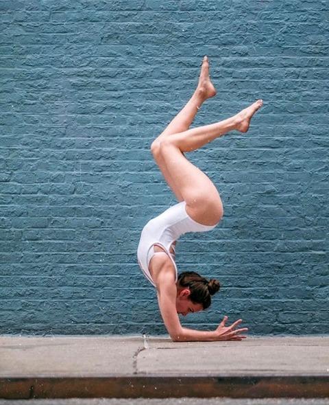 sexy_yoga_8687-028s