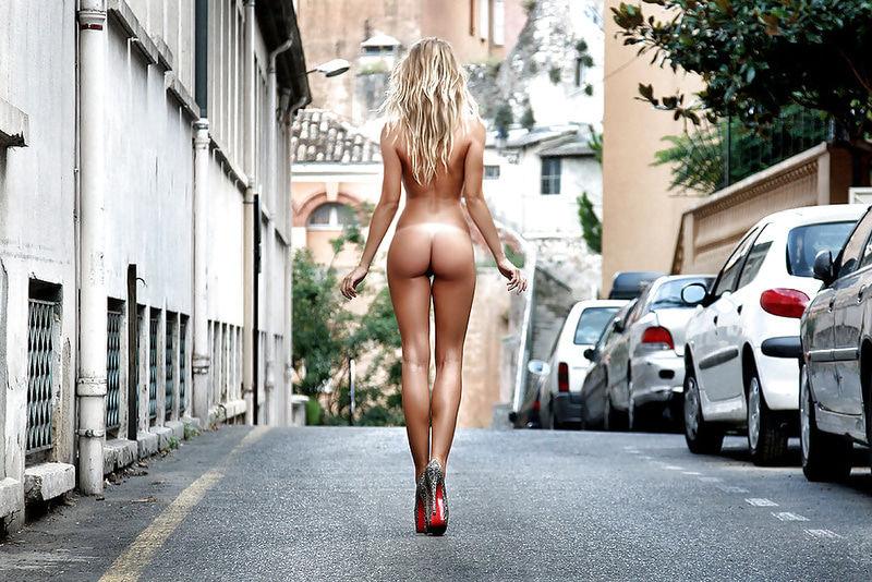 голые девчонки на улице были