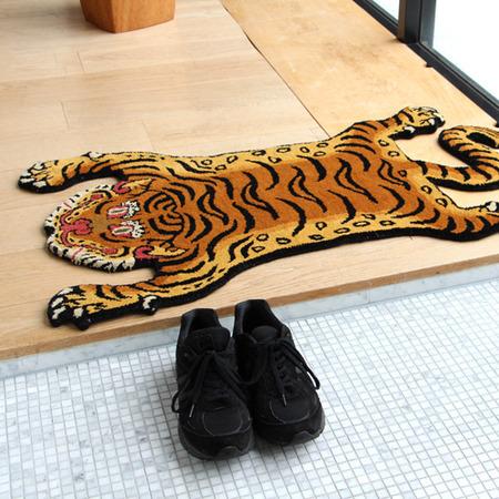 tibetan-tiger-rug_DTTR-02_image_07-6
