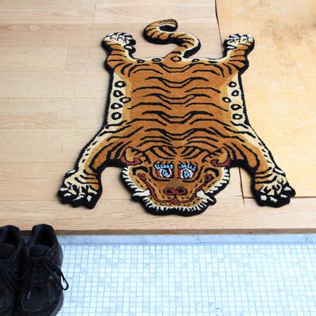tibetan-tiger-rug_DTTR-01_S_image_05-2
