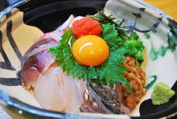 海鮮バクダン丼