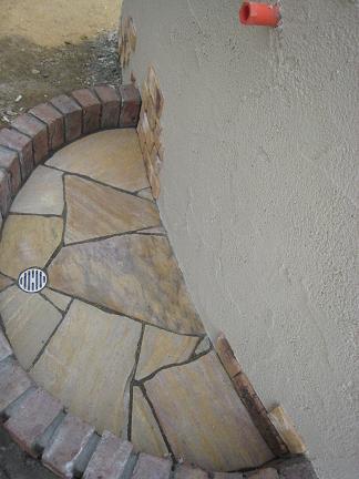 立水栓の石貼り