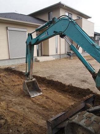 地盤掘削作業中