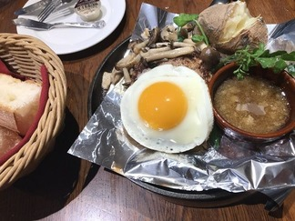 東洋亭 ハンバーグ