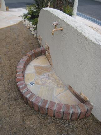 イルカの立水栓