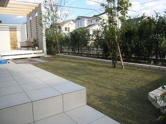 お庭の全景