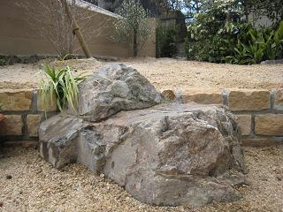 花壇の石積み