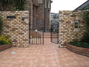 門柱に門扉