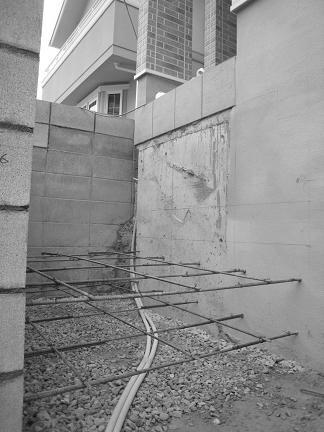 階段下の基礎造り