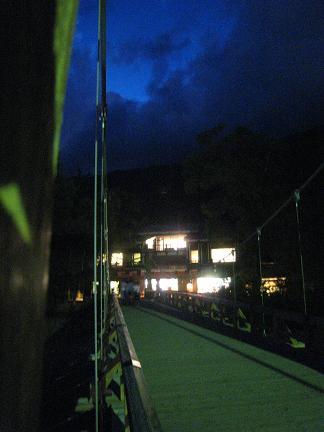夜の河童橋