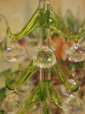 揺れるガラス玉