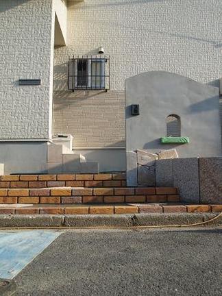 塗壁門柱の下地
