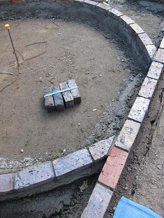 ガーデン工事施工中