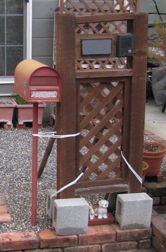 木製の機能門柱