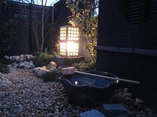 和庭の灯り