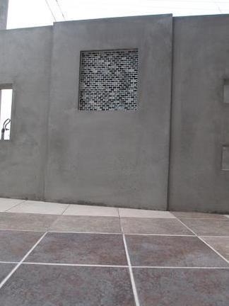 テラスから眺めた壁