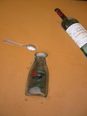 ワインボトルに牛乳瓶