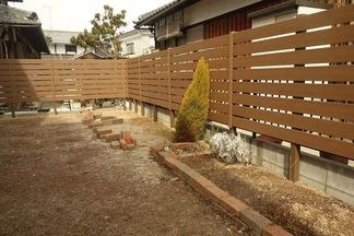 人工樹脂木ウッドフェンス