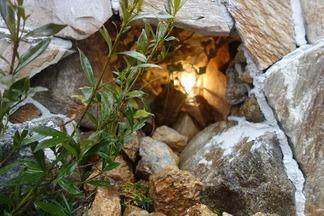 洞窟内の灯り