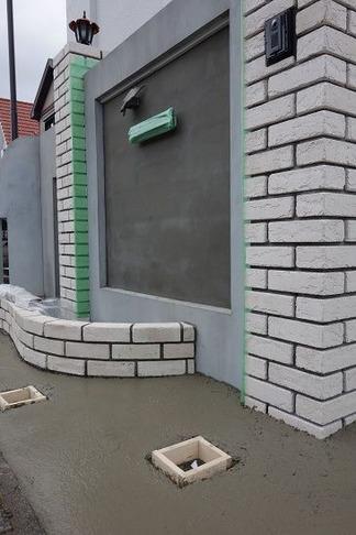 門壁前の造作