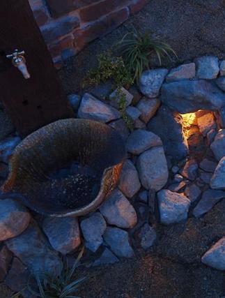 信楽焼きの水鉢