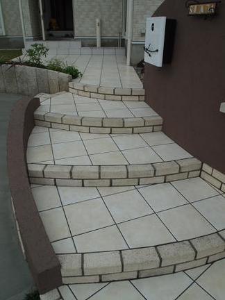 階段アプローチのライン