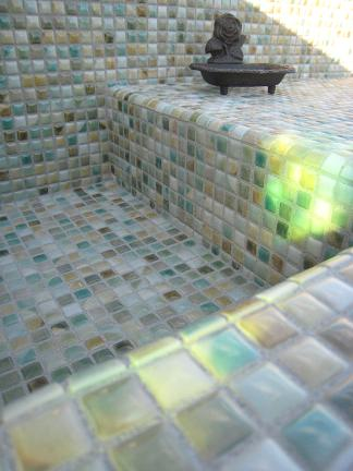 ステンドグラスを透した光り