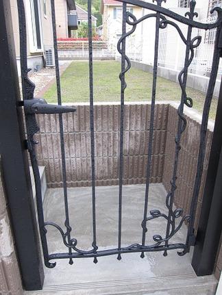 勝手口の門扉