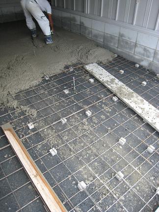 シャコリーナ土間コンクリート打設